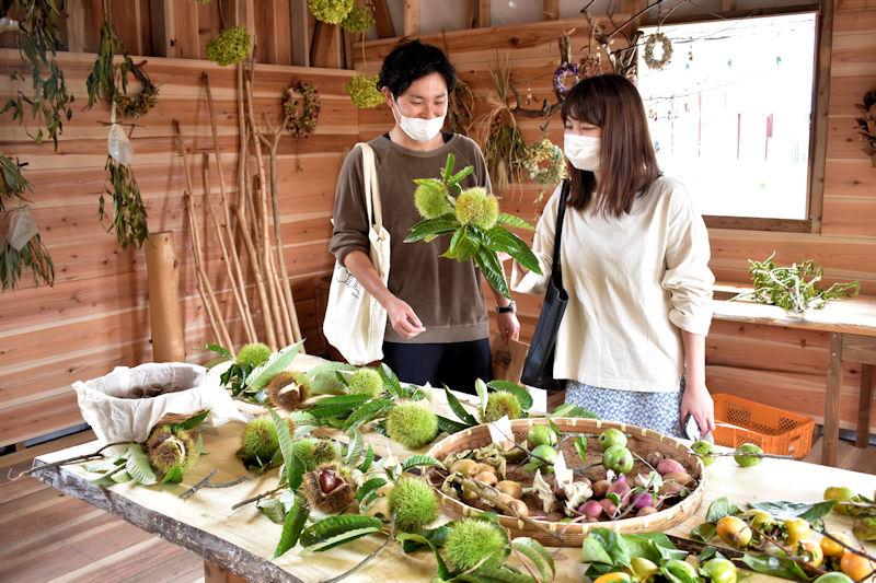 17.kicorico店内お客様 (2)