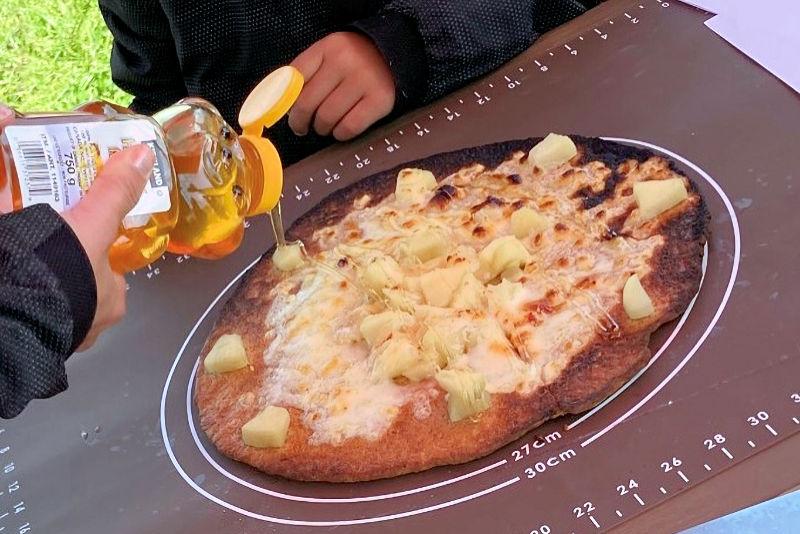 リンゴのコンポートピザ